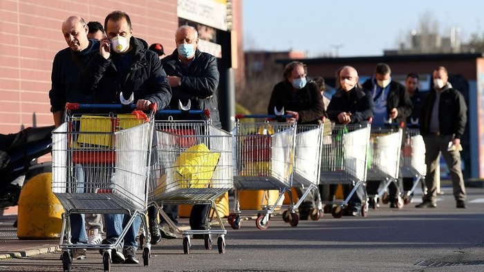 Надо ли закупать продукты впрок из-за коронавируса и чем закупаться