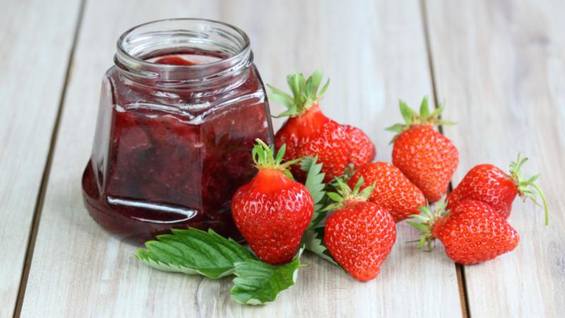 Варенье из клубники с целыми ягодами «5 минутка»
