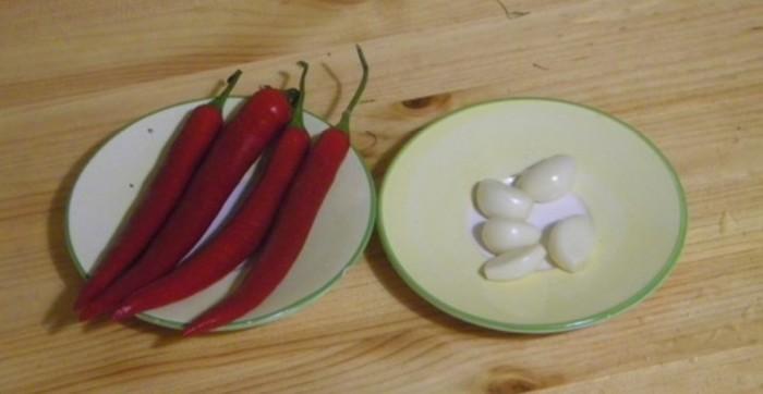 Малосольные огурцы в кастрюле горячим способом по классическому рецепту