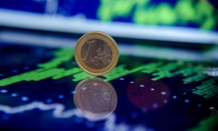 Курс Евро будет падать или расти в ближайшее время в 2020 году