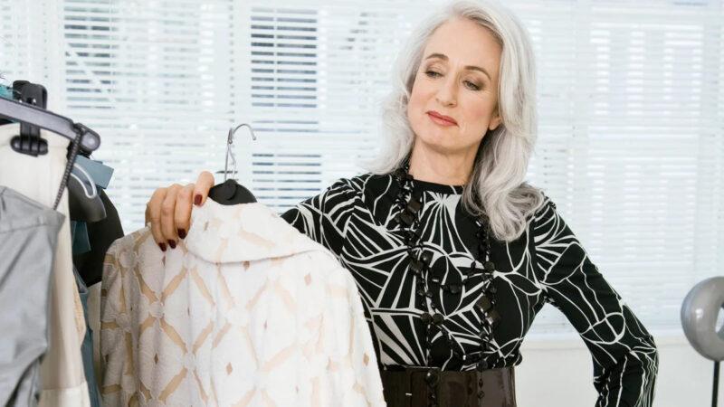 Мода для женщин за 50 лет в 2020 году осень-зима на каждый день